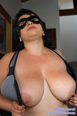 Liseth Reyes Cannot Contain Her Big Natural Breasts In Her Sports Bra