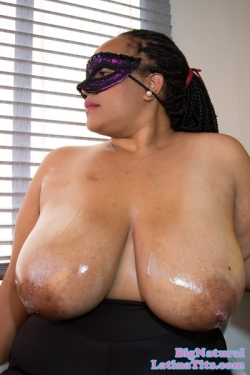 Shadia Oils Up Her Enormous Juggs